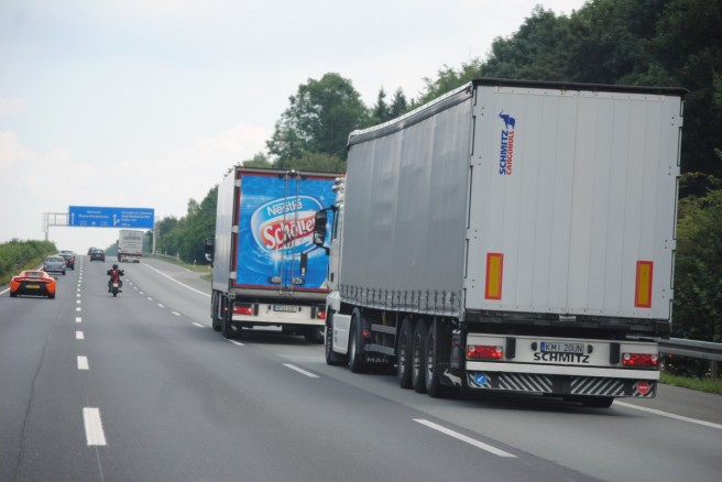 remote_traffic_truck_transport_of_goods_logistics_highway_germany_asphalt_driving_a_car-1237943.jpg
